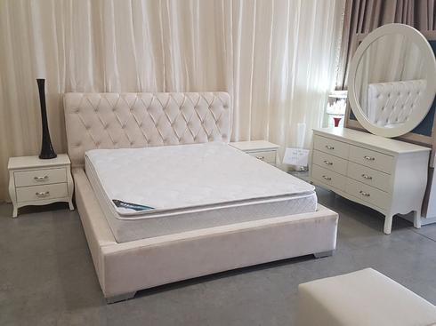 """מיטה זוגית ב 3,990 שקלים בלבד במקום 6,990 שקלים, עולם הרהיטים. יח""""צ"""