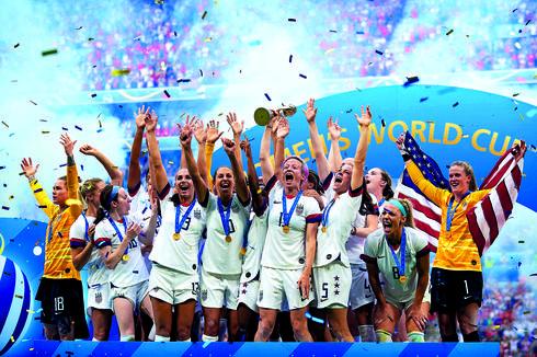 נבחרת ארצות הברית אחרי הזכיה במונדיאל   צילום: ShutterStock